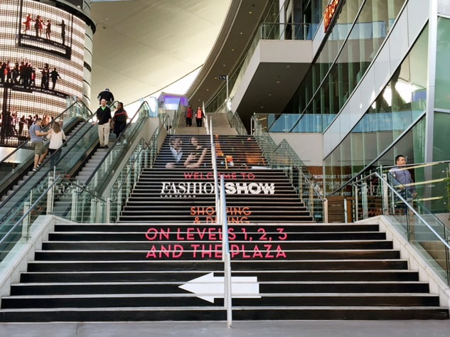Top 12 Event Signage Ideas To Improve Your Attendee's Experience